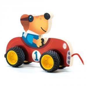 Arrastre madera coche carreras con perro