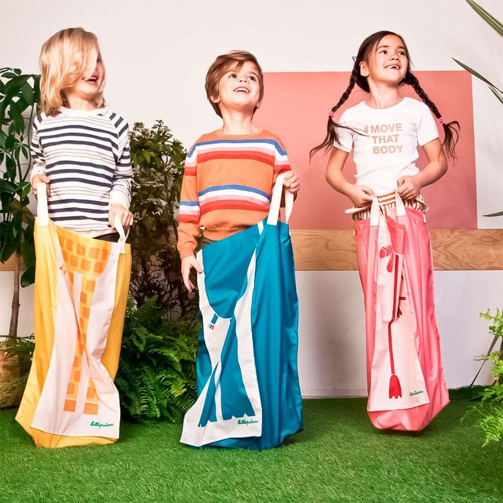 Carrera de sacos jumping friends