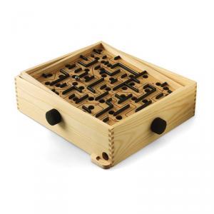 Juego clásico del laberinto en madera